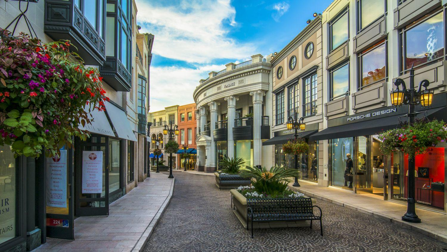 Two Rodeo Drive Shops Amp Restaurants Love Beverly Hills