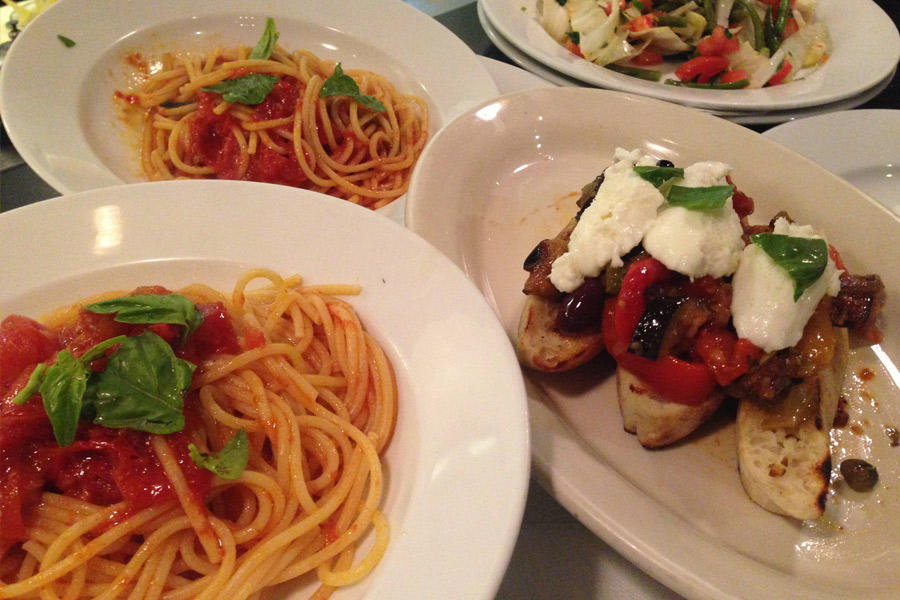 Best italian restaurants in beverly hills for Fish grill beverly